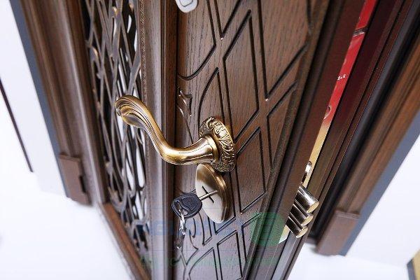 Стальная дверь – надежный защитник вашего покоя